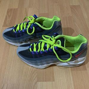Nike Air Max 95 neon grey gray black youth 6 shoes
